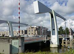 Het reinigen van de Kooimanbrug te Purmerend